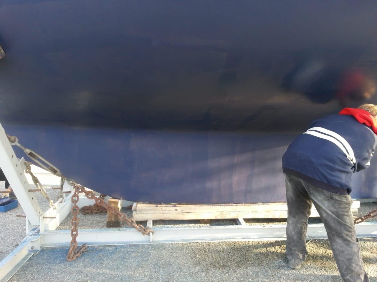 Arbeit am Unterwasserschiff